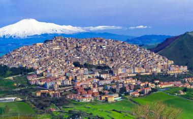 Ingyen ház Gangiban annak, aki odaköltözik ebbe a szicíliai városkába