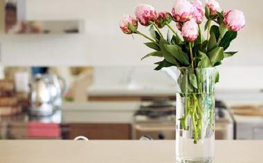 Virág dekorációk lakásban és jelentésük