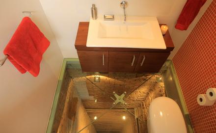 Liftaknát csinált a fürdőszobából ez az építész