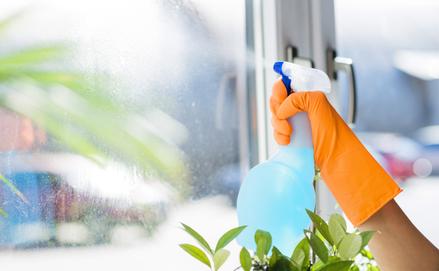 Ablaktisztítás praktikusan és csíkmentesen: tippek otthonra